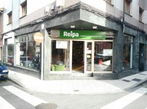 Foto entrada tienda Reipa Asturias